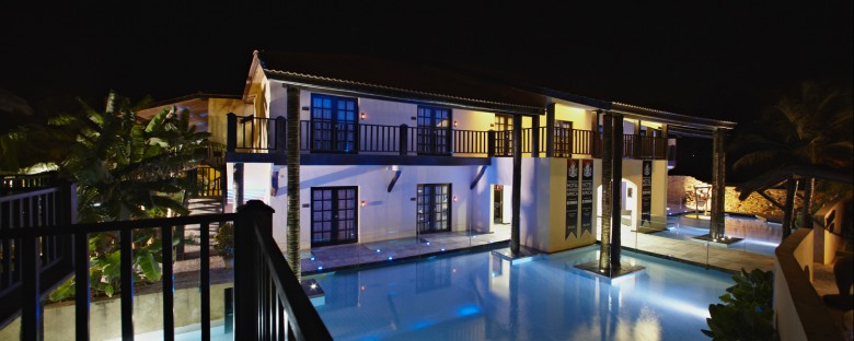 rhino_hotel